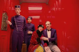 The Grand Budapest Hotel Regisseurs/Director: Wes Andersons Darsteller/Cast: Paul Schlase (Igor), Tony Revolori (Zero Moustafa), Tilda Swinton (Madame D.), Ralph Fiennes (M. Gustave)